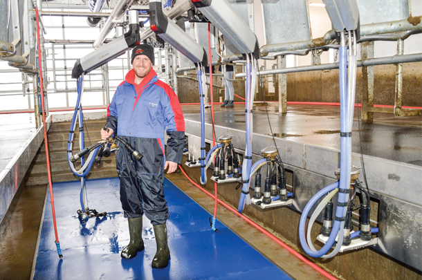 Swing parlour saves costs for judge farms progressive