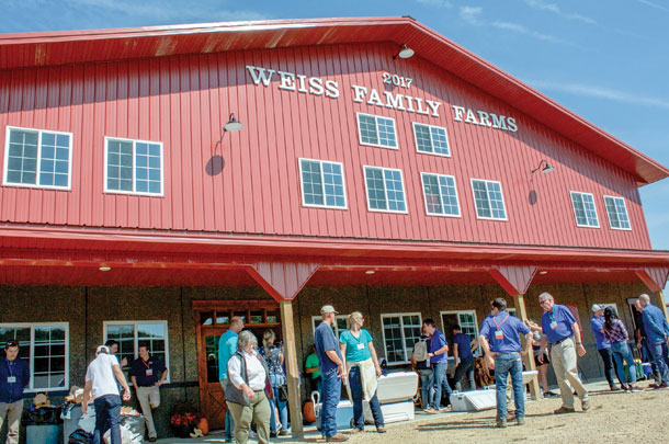More than 220 visitors from around the world participated in the ABS Global Experience, a four-day tour that canvassed Wisconsin and Minnesota, visiting the company's facilities and key farms.