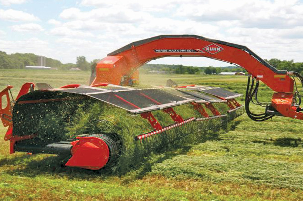 Kuhn MM 701, 1101 and 1301 Merge Maxx hay mergers